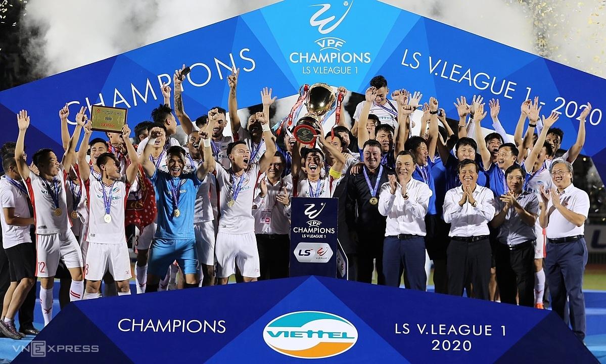 Viettel soán ngôi vương V-League của Hà Nội. Ảnh: Đức Đồng