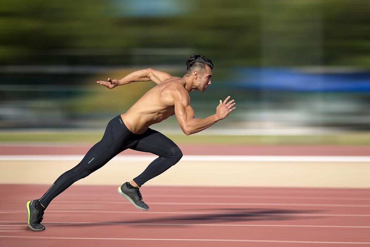 Luyện tập nhiều tốc độ sẽ giúp runner chạy nhanh hơn. Ảnh: Shutterstock.