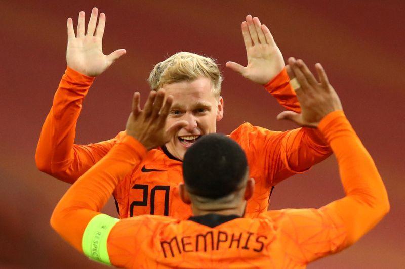 Van de Beek พิสูจน์ความคุ้มค่าเมื่อกลับไปเนเธอร์แลนด์