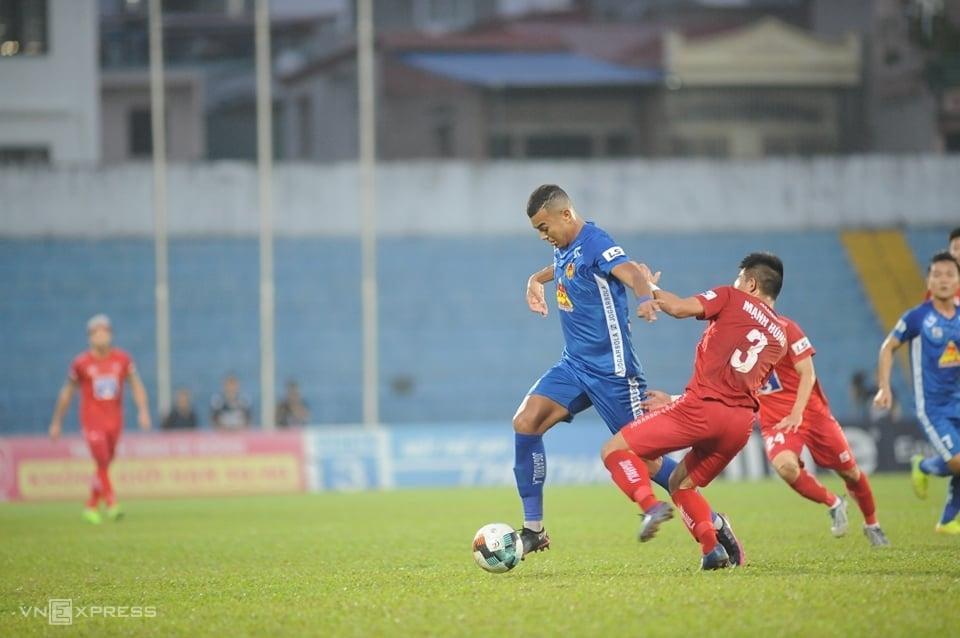 Quang Nam ชนะไฮฟอง 4-2 ในรอบสุดท้ายของ V-League 2020 แต่ยังต้องได้รับตั๋วตกชั้น