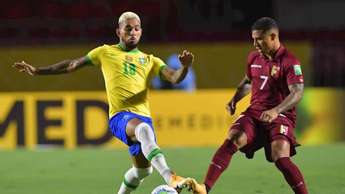 Brazil chơi kém hẳn trong khi Coutinho và Neymar vắng mặt. Ảnh: Reuters.