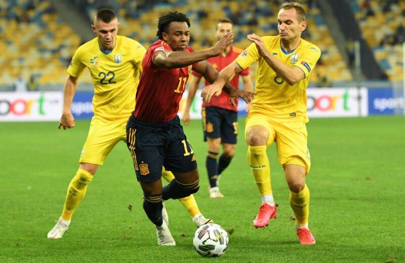 เมื่อเดือนที่แล้วความพ่ายแพ้ต่อยูเครนทำให้สเปนทำให้สเปนได้รับชัยชนะเพื่อเข้าสู่รอบรองชนะเลิศของ Nations League  ภาพ: Reuters