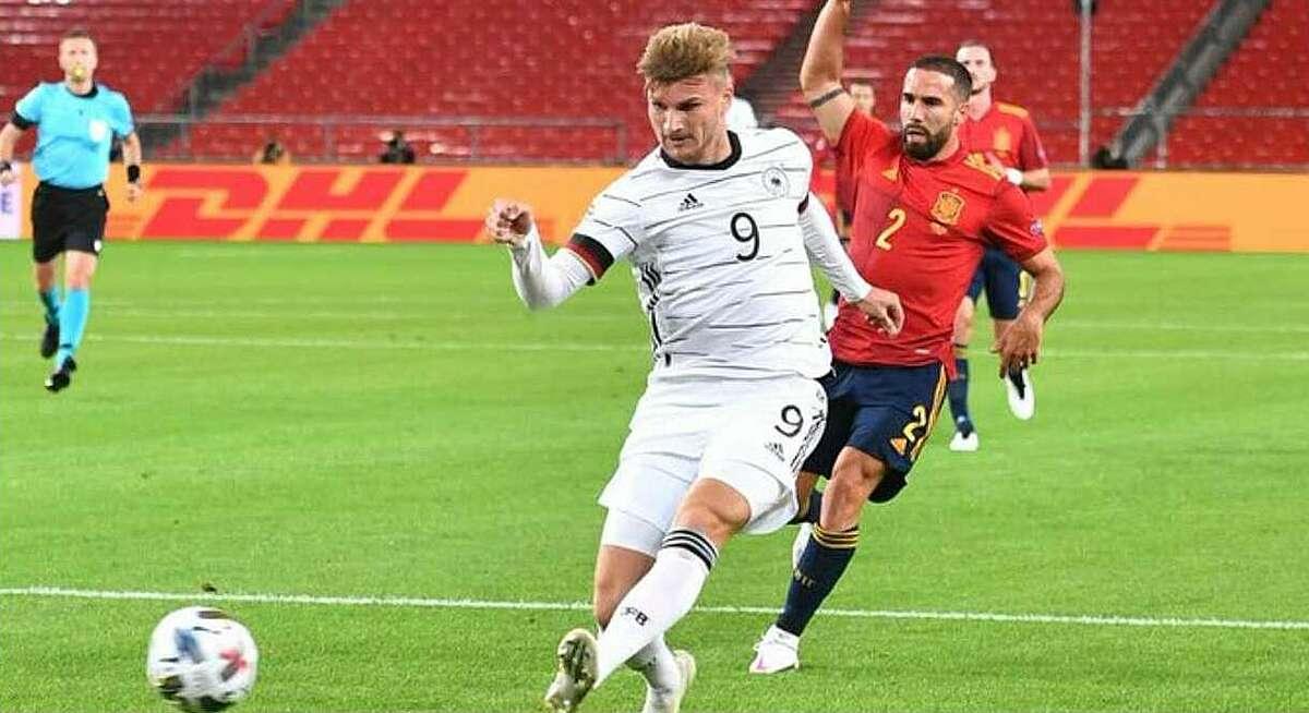 แวร์เนอร์เปิดการให้คะแนนสำหรับเยอรมนีในการแข่งขันระหว่างทั้งสองทีมในช่วงที่หนึ่ง  ภาพ: Reuters