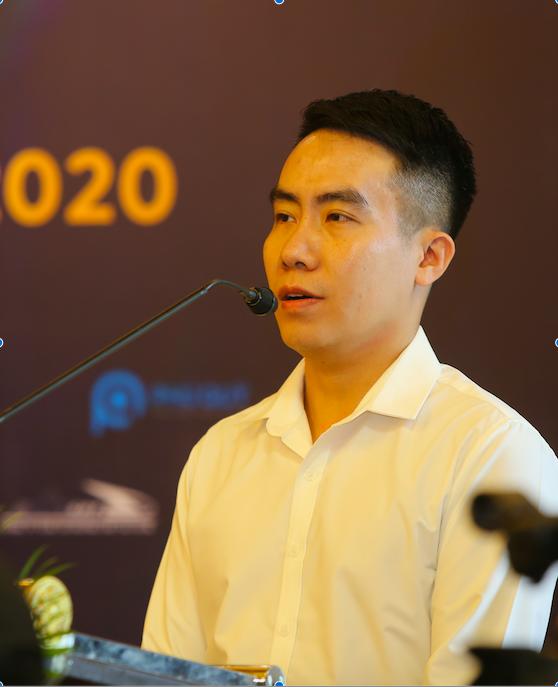 Ông Ngô Mạnh Cường - Phó ban tổ chức VnExpress Marathon phát biểu tại họp báo. Ảnh: Thái Anh.
