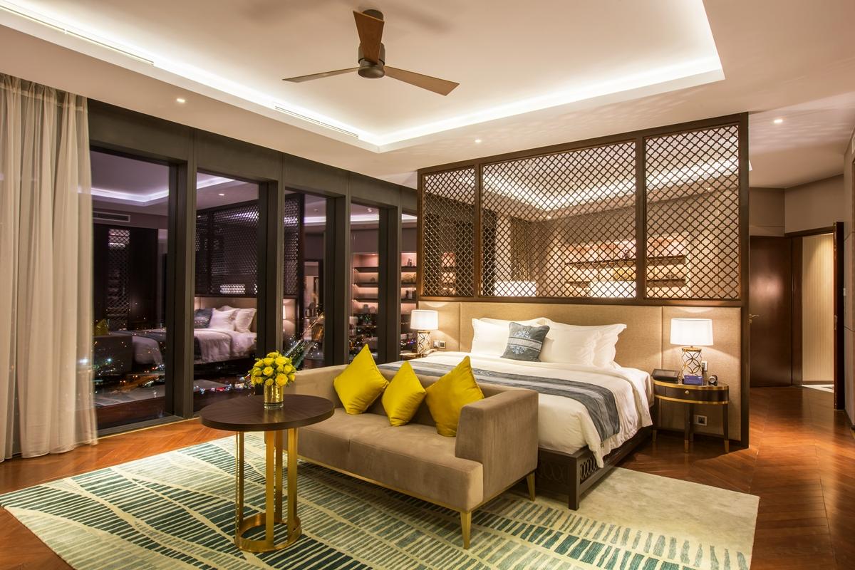 Phòng tiêu chuẩn 5 sao dành cho 2 người lớn (từ 12 tuổi trở lên) tại Vinpearl Hotel Huế. Ảnh: Vinpearl.