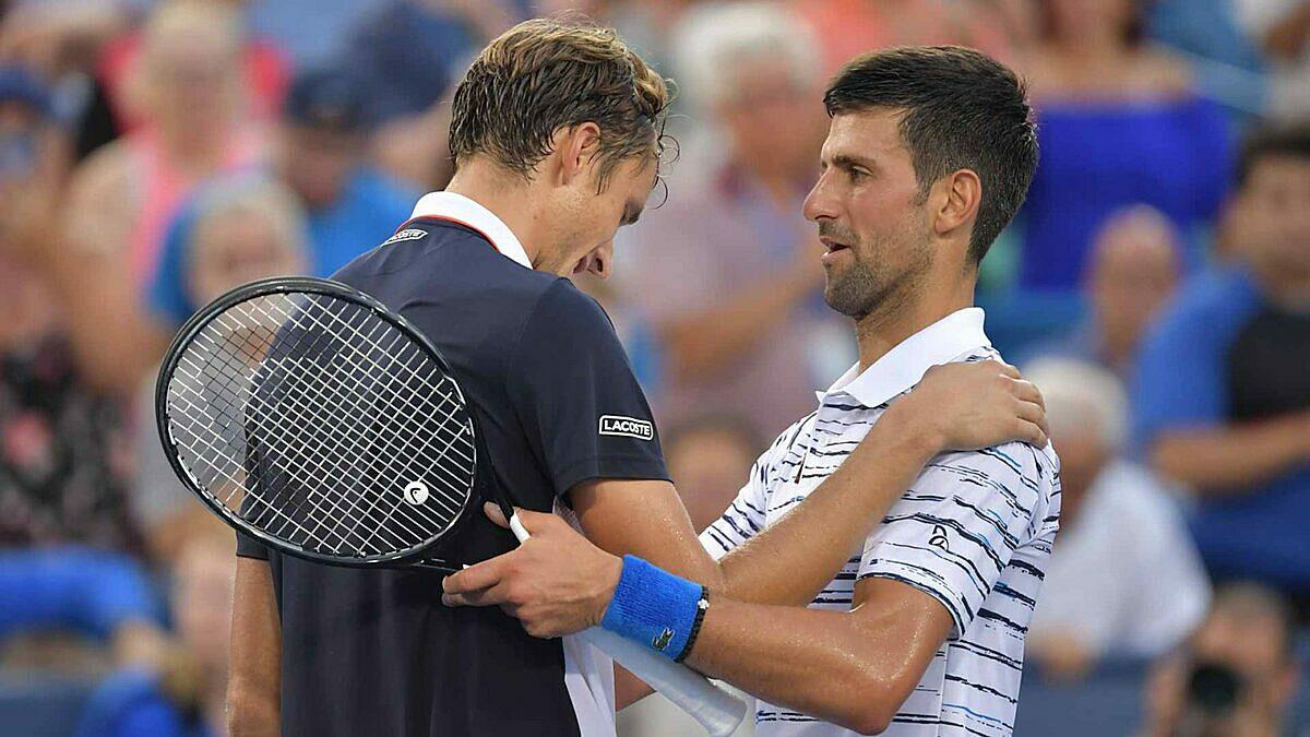 Medvedev luôn khiến Djokovic bở hơi tai mỗi khi chạm trán. Ảnh: ES.