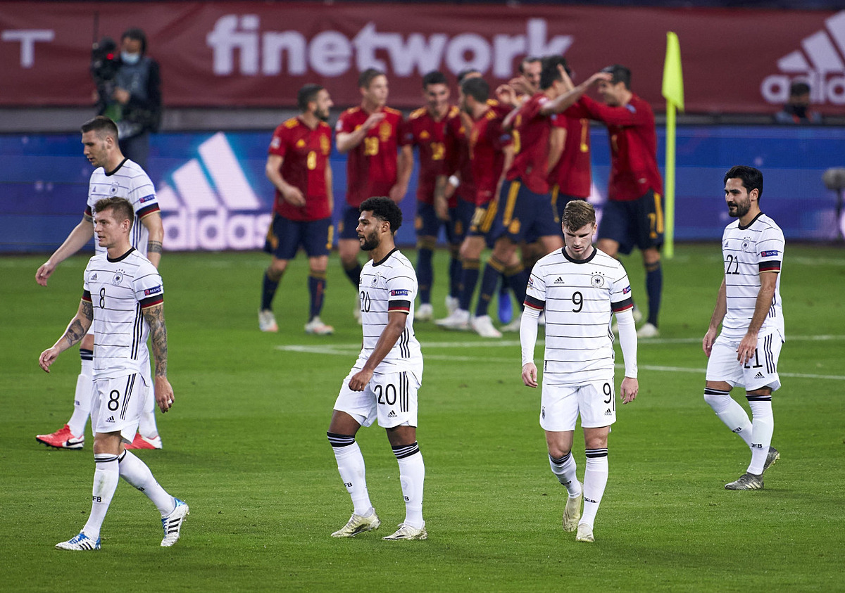 Thất bại trước Tây Ban Nha là trận thua đậm nhất trong lịch sử đội tuyển Đức. Ảnh: REX.