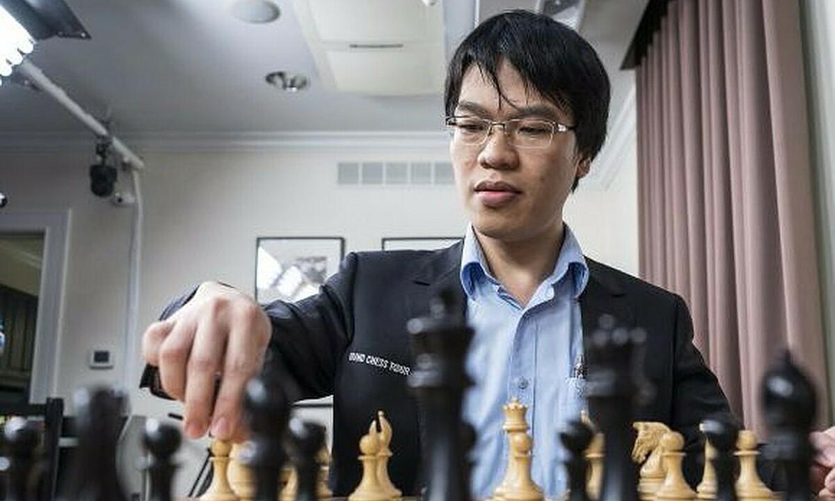 Quang Liêm lần lượt đụng độ 15 kỳ thủ hàng đầu thế giới. Ảnh: GCT