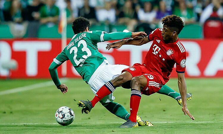 Bàn thắng của Kingsley Coman giúp Bayern thoát cảnh thất bại trên sân nhà. Ảnh: AFP.