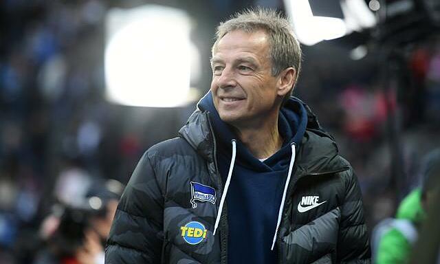 Klinsmann, 56 tuổi, từng chơi hai năm cho Tottenham vào thập niên 1990. Ảnh: Reuters.