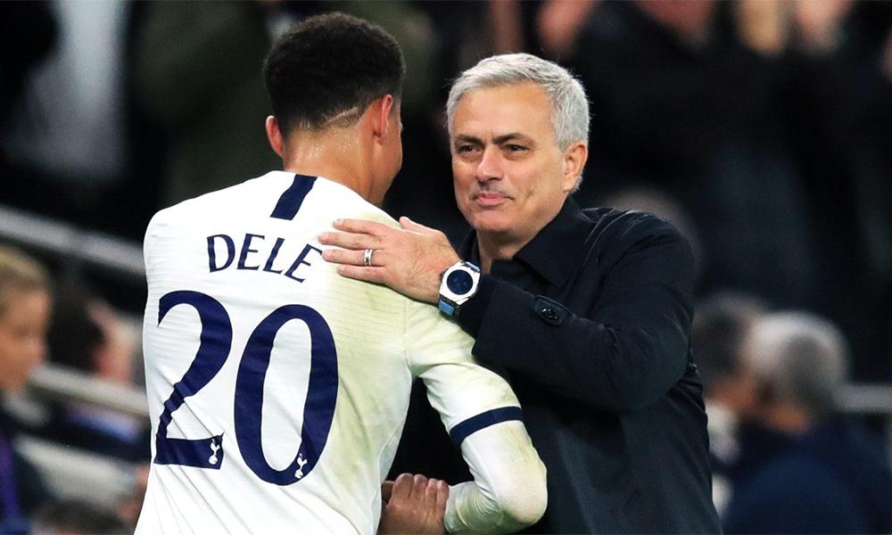 Mourinho hoà nhã hơn trong cả quan hệ với truyền thông, các học trò lẫn người hâm mộ. Ảnh: PA