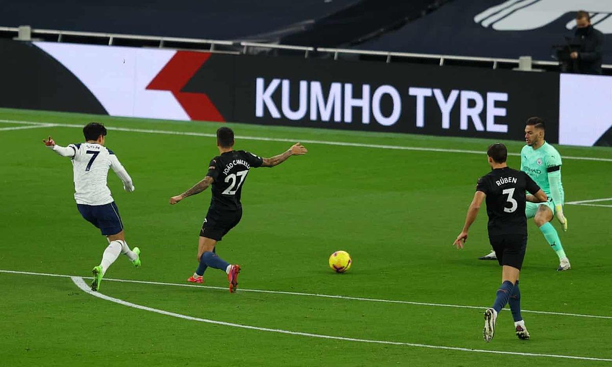 Son Heung-min mở tỷ số bằng cú sút chìm vào góc gần. Ảnh: Tottenham FC.