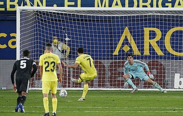 Tính cả quả 11m vào lưới Real, Moreno đã có năm bàn tại La Liga mùa này. Ảnh: Reuters.