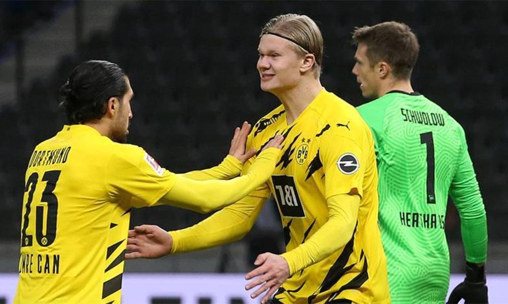 ฮาลันด์มีความสุขกับ Can เพื่อนร่วมทีมช่วยตีเสมอ 1-1 ในช่วงต้นครึ่งหลัง  ภาพ: BVB
