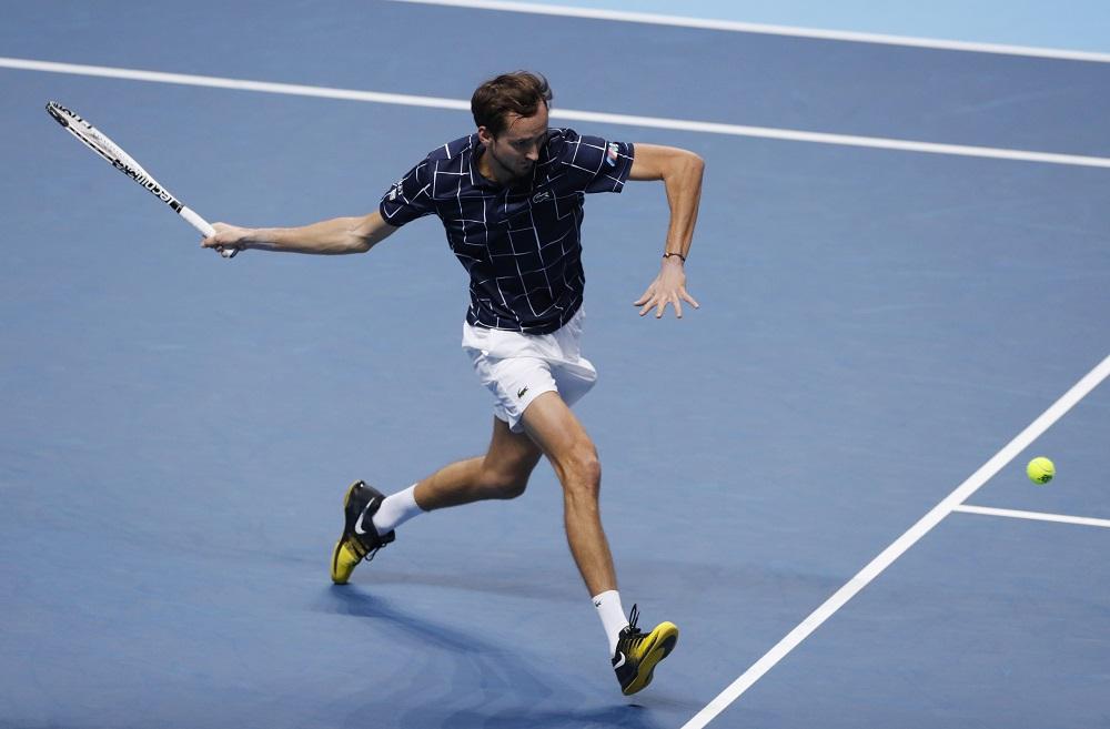Nhờ lên lưới tốt, Medvedev có 37 điểm winner trong trận, hơn Thiem tám điểm. Ảnh: ATP.