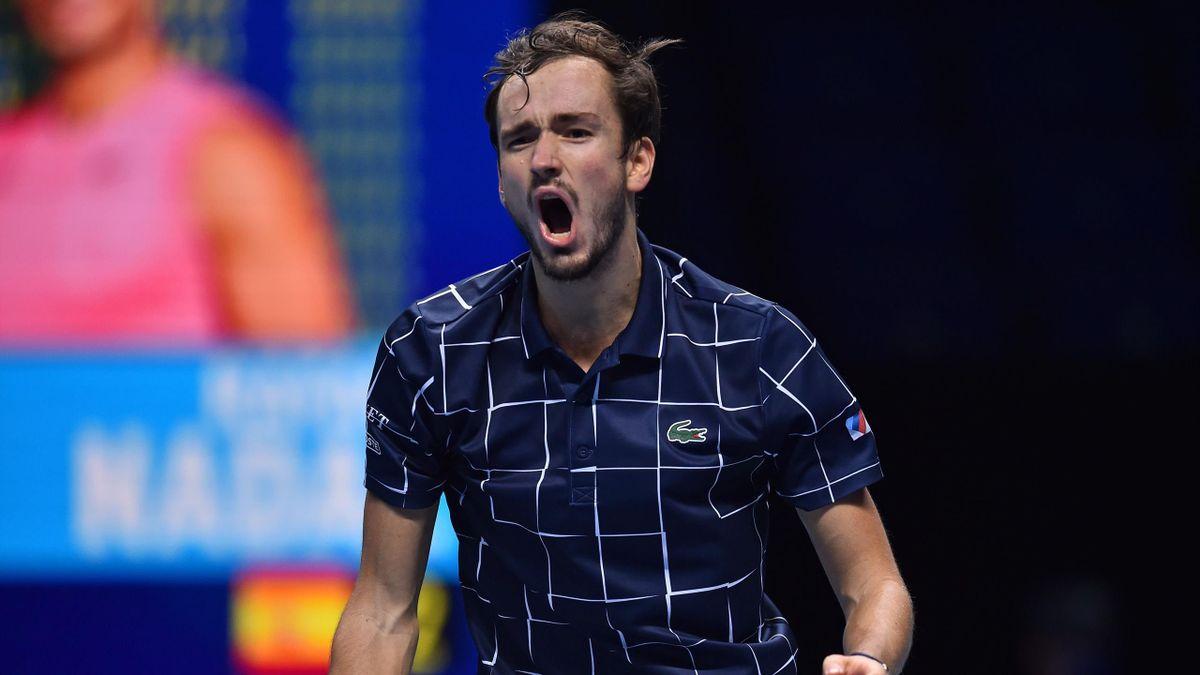 Medvedev là người thứ hai sau Roger Federer (2010) đánh bại cả Djokovic và Nadal trên đường giành danh hiệu ATP Finals. Ảnh: Eurosport.
