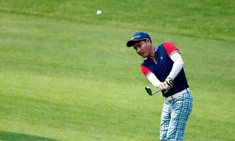 Sau bóng đá, Hồng Sơn tìm thấy niềm vui mới trên sân golf. Ảnh: Chevro.