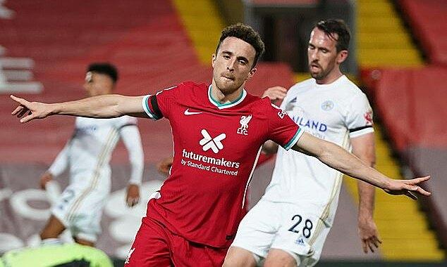 Jota trở thành cầu thủ đầu tiên ghi bàn ở cả bốn trận sân nhà đầu tiên cho Liverpool. Ảnh: Reuters