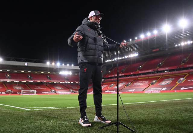 Klopp chỉ trích các đài truyền hình sau trận thắng Leicester. Ảnh: Reuters.