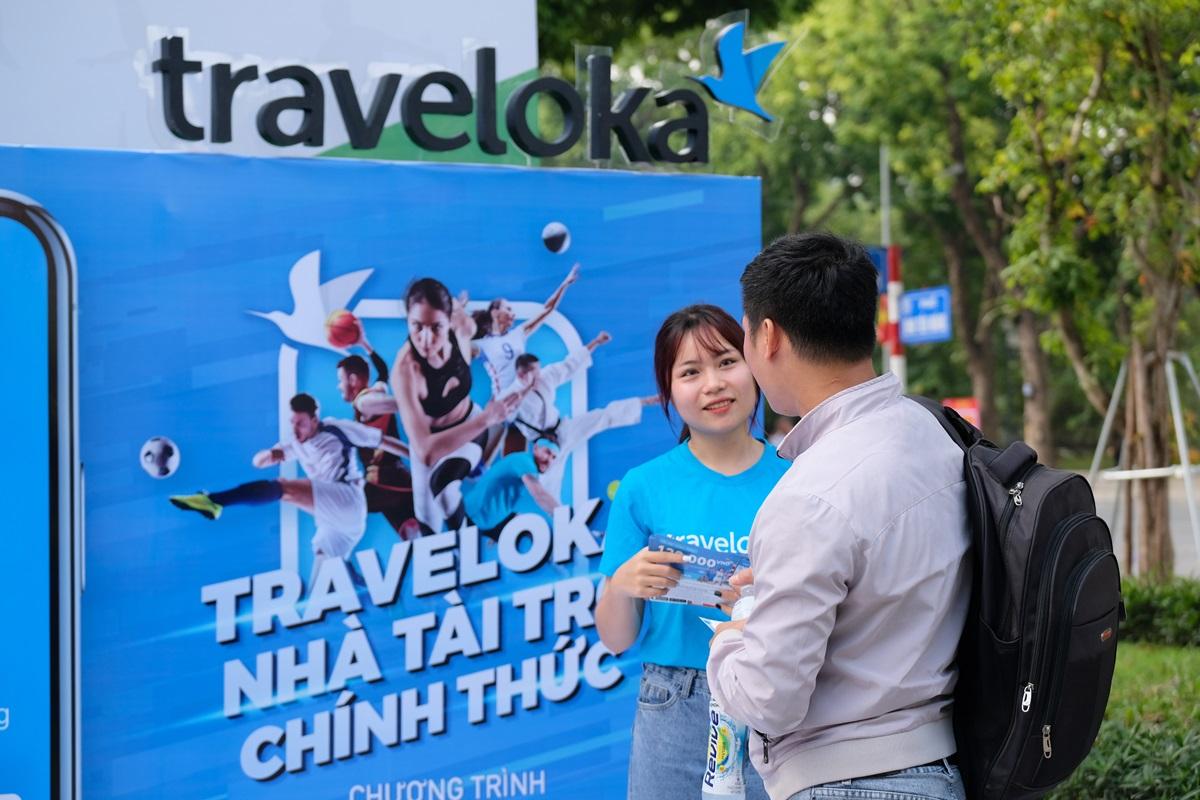 Traveloka thu hút người tham dự với những phần quà giảm giá có giá trị.