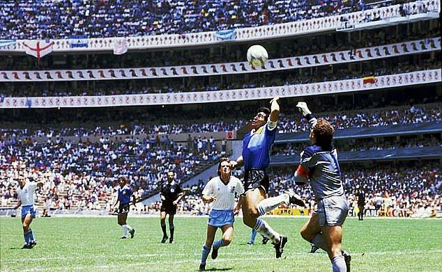 Maradona qua đời