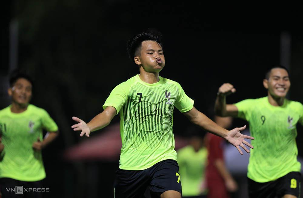 Cầu thủ Hallmen ăn mừng chiến thắng trong trận ra quân giải U17 Cup Quốc gia tại Trung tâm PVF ở Hưng Yên.