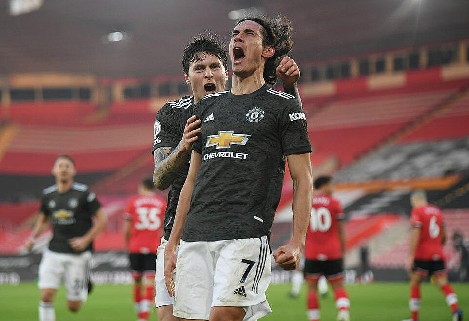 Cavani in dấu giày trong cả 3 bàn thắng của Man Utd. Ảnh: Reuters.
