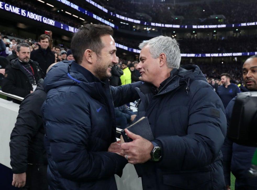 Lampard (trái) và Mourinho sẽ lại có dịp đấu trí với nhau, khi hai đội bóng do họ dẫn dắt đối đầu ở Ngoại hạng Anh tuần này. Ảnh: AFP.