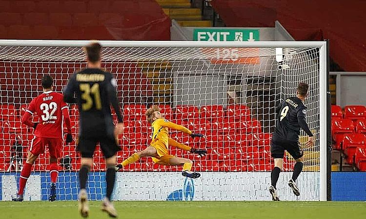 Kelleher thi đấu ấn tượng trong trận ra mắt tại Champions League. Ảnh: Reuters.