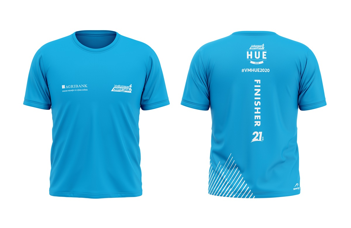 Finisher shirt for runner conquers a distance of 21 km.