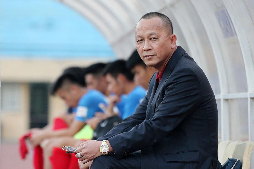 Ông bầu Phạm Thanh Hùng cho biết một mình không đủ sức nuôi đội bóng, nếu Tỉnh không hỗ trợ sẽ trả lại đội.