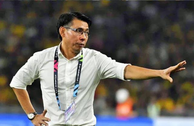 Tan Cheng Hoe không phải kiêm nhiệm công việc ở đội U23 như Park Hang-seo và Akira Nishino. Ảnh: NST.