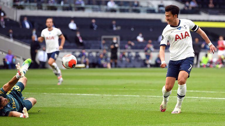 Tốc độ được Son phát huy triệt để trong các tình huống nhận bóng từ Kane khi Tottenham phản công. Ảnh: AP