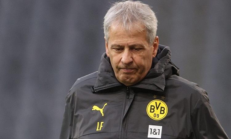 Favre bị sa thải sau hơn hai năm rưỡi dẫn dắt Dortmund. Ảnh: AFP.