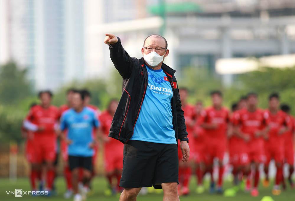 HLV Park Hang-seo liên tục tập trung đội U22 để rèn luyện, chuẩn bị cho mục tiêu bảo vệ HC vàng SEA Games trên sân nhà vào năm 2021. Ảnh: Lâm Thỏa.