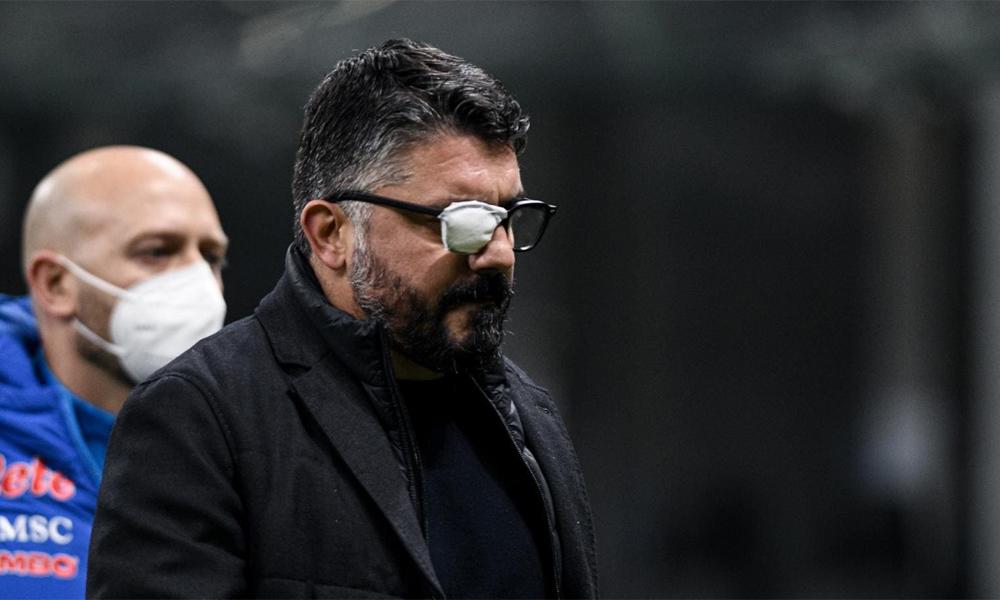 Gattuso rời sân sau trận thua Inter 0-1. Đây là thất bại thứ tư của Napoli tại Serie A mùa này. Ảnh: LaPresse