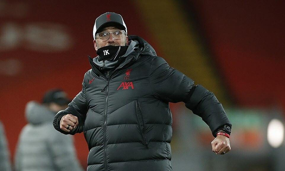 Klopp mừng chiến thắng quan trọng đưa Liverpool lên đỉnh bảng, mà không cần dùng quyền thay người. Ảnh: Reuters