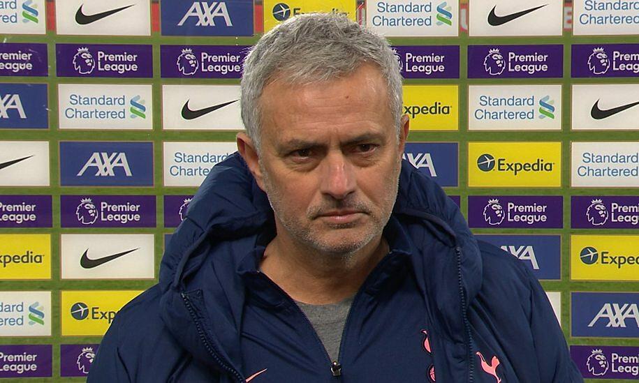 Mourinho lần thứ ba để thua bàn quyết định ở phút 90, trong sự nghiệp cầm quân. Ảnh: BBC