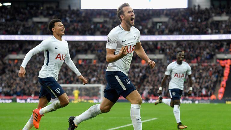 Kane kiến tạo nhiều hơn Kevin De Bruyne bốn lần và chỉ ghi ít hơn Mohamed Salah hai bàn, sau 13 vòng Ngoại hạng Anh. Ảnh: Sky.