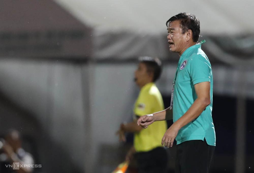 HLV Phan Thanh Hùng cho biết ông muốn chọn những đội bóng có mong muốn xây dựng từ các cầu thủ trẻ.