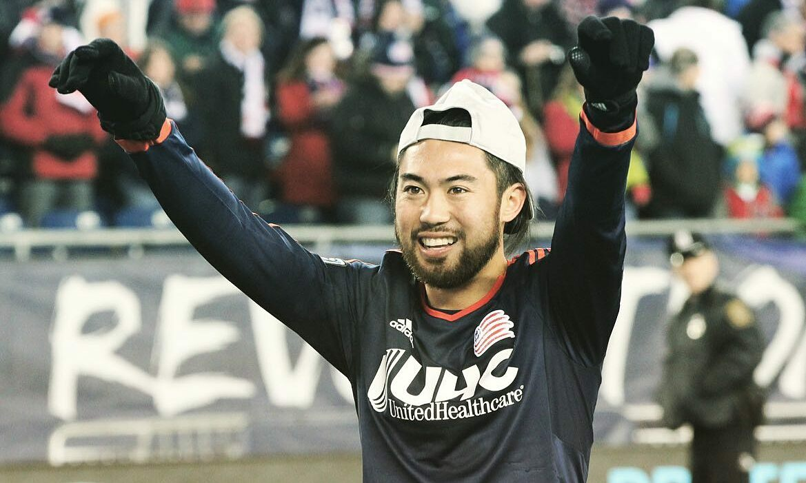 ลีเหงียนไปวีลีกเป็นครั้งที่สองเพื่อเล่นฟุตบอล  ครั้งนี้เขาเข้าร่วม HCM City  ภาพ: Facebook.