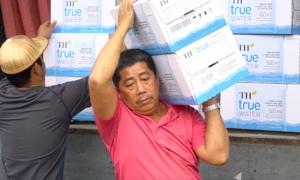 Hàng nghìn thùng hàng đổ bộ VnExpress Marathon Huế