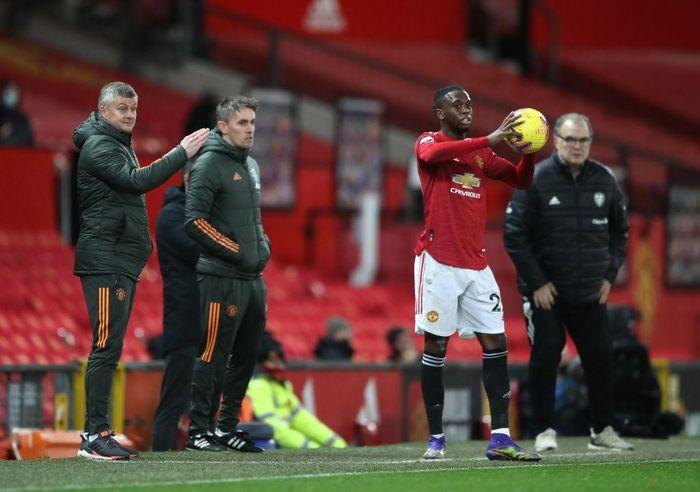 Solskjaer กำกับผู้เล่น Man Utd ในนัดที่แล้ว: ชนะลีดส์ 6-2 เพื่อไต่อันดับสู่พรีเมียร์ลีกที่สาม  ภาพ: Reuters