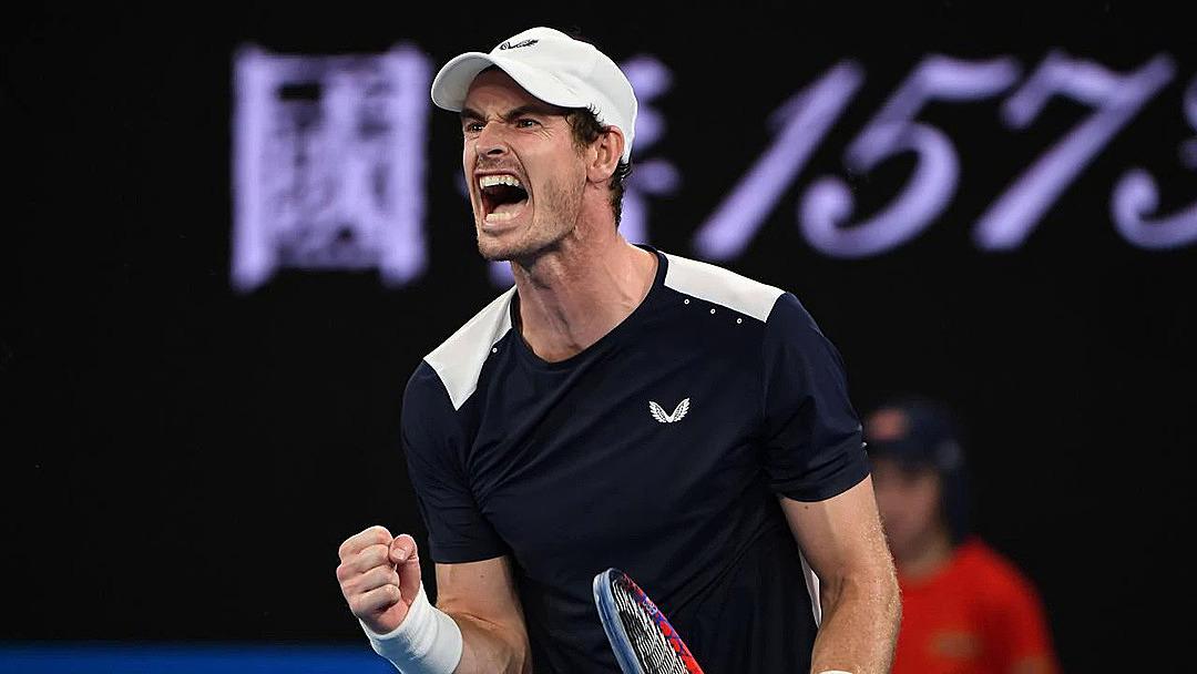 Murray bị loại ở vòng một Australia Mở rộng khi thua Roberto Bautista Agut sau năm set. Ảnh: FOX.
