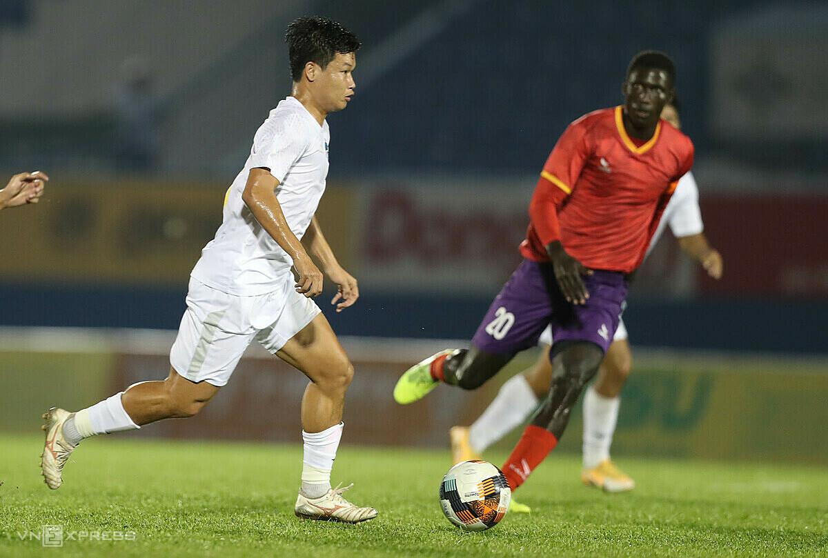 Dong Trieu ได้รับความพ่ายแพ้เมื่อเขากลับมารวมทีมเก่า  ภาพ: Duc Dong