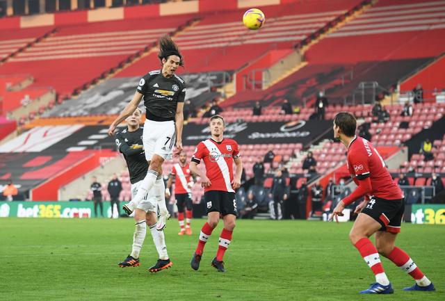 Cavani từng lập hat-trick vào lưới Southampton khi vào sân thay người trong hiệp hai. Ảnh: Reuters.