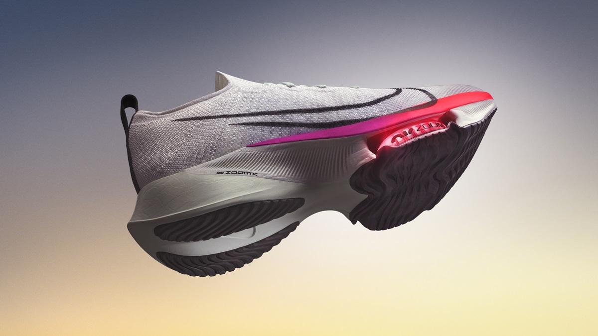 Mẫu giày tập tốc độ thu hút cộng đồng chạy bộ.