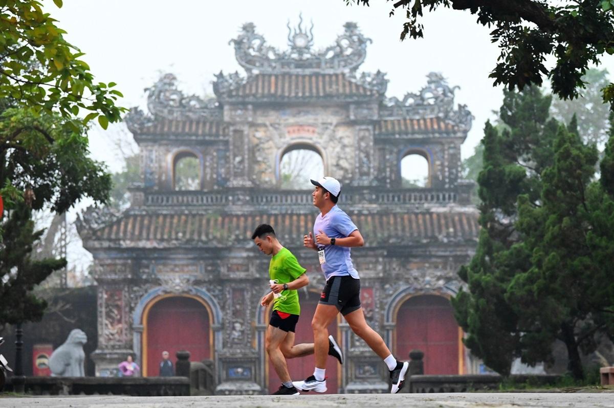 Chạy bộ để khám phá giới hạn và tiềm năng bên trong mình. Ảnh: VnExpress Marathon.