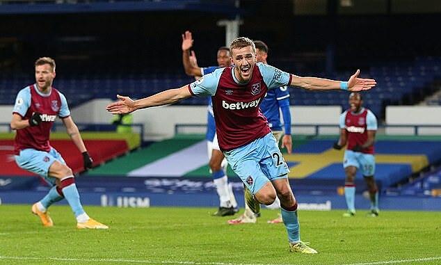Soucek mừng bàn quyết định cho West Ham. Ảnh: Reuters.