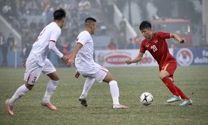 Vòng xoáy hiểm nguy của bóng đá Việt Nam